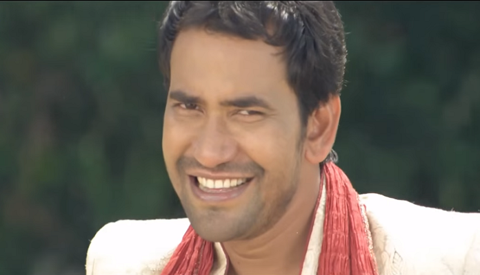 Dinesh lal yadav Femous Actor