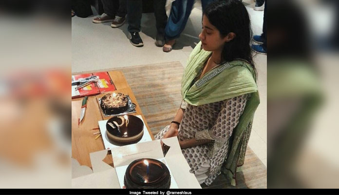 janhavi kapoor birthday 2018 with old age home