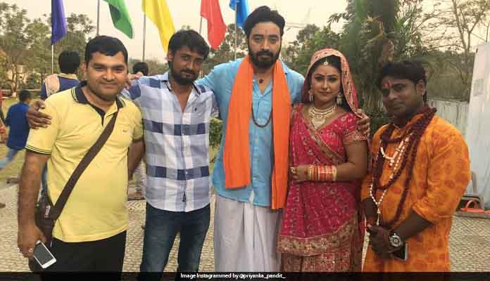 Sanjeev Mishra, seen in Romans with 4 actresses in 'Badrinath'