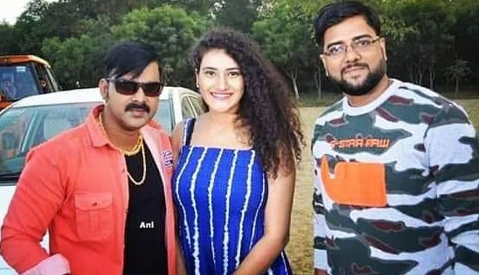 Pawan Singh, seen with a new actress on the sets of Boss